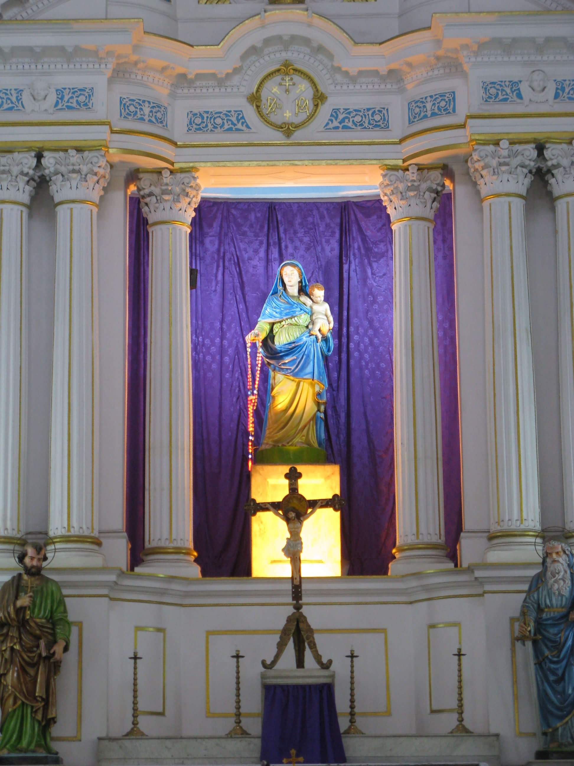 Madonna And Child In The Most Holy Rosary Church - FindMessages.com
