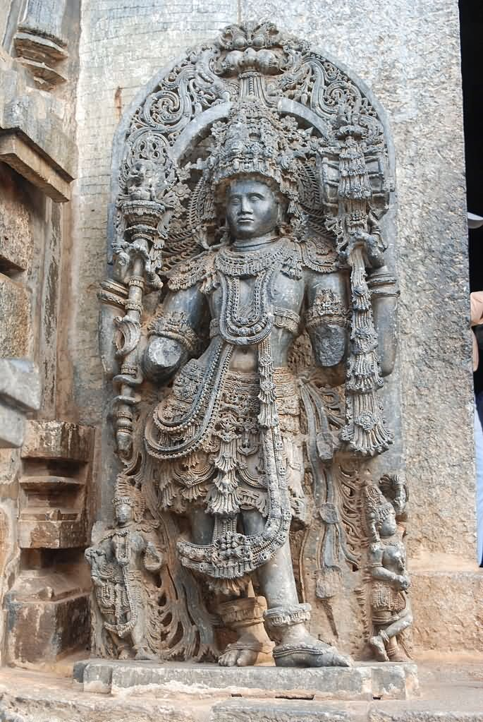 Stone carving at kedareshwara temple karnataka