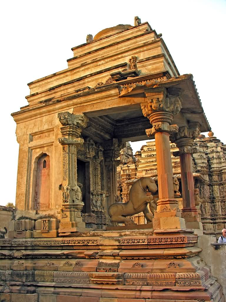 Sculpture of lion on the pillars chintalarayaswami