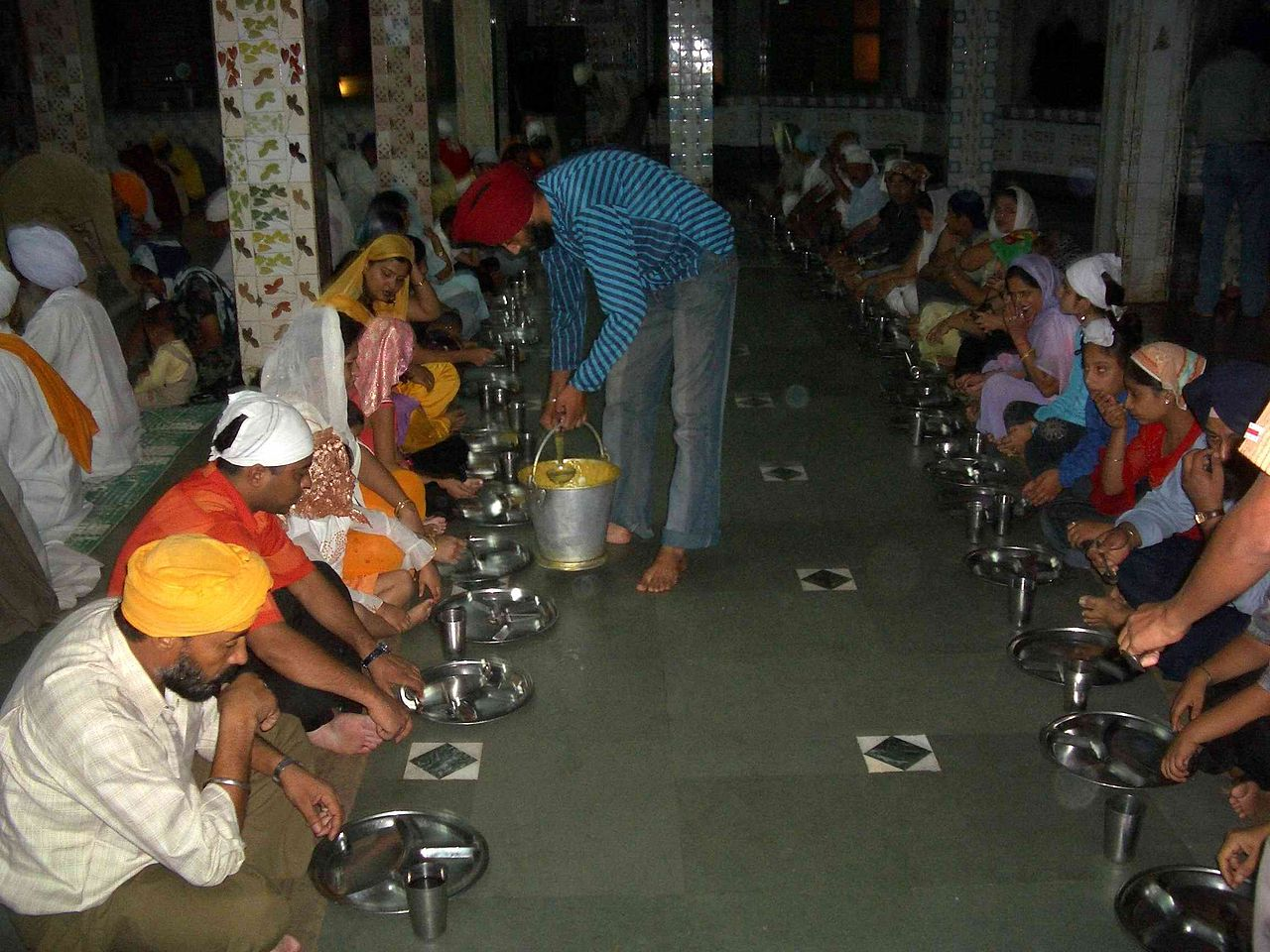 Dinner at Manikaran Gurdwara, Himachal Pradesh, India